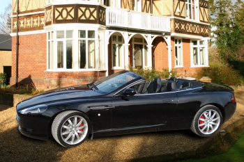 AstonMartinDB9Volante.gallery02